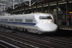 青春18きっぷは新幹線・特急・グリーン車に使えるの?