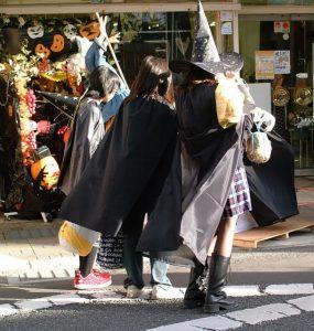 ハロウィンの仮装は何が人気?通販で買うには?簡単に用意するには?